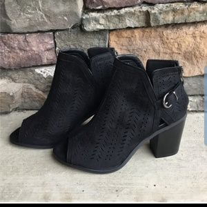 Black vegan suede ankle booties NWTO